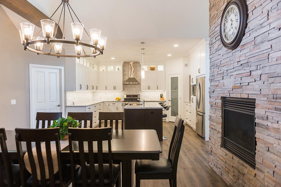 Azalea dining and kitchen area