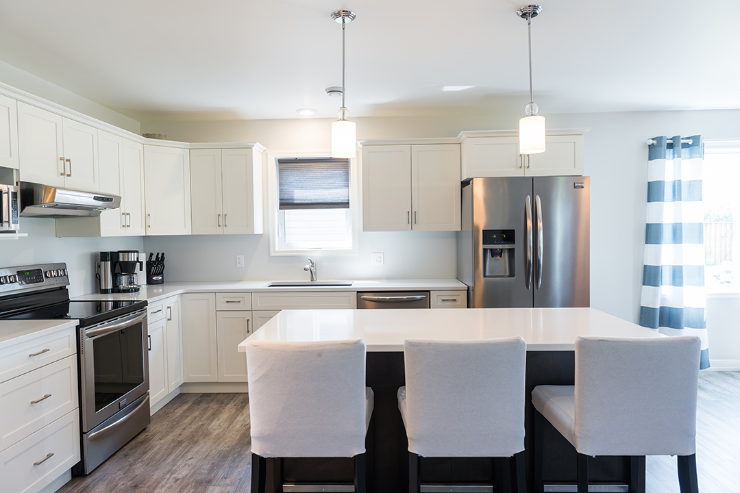 897 Partridge dining and kitchen area