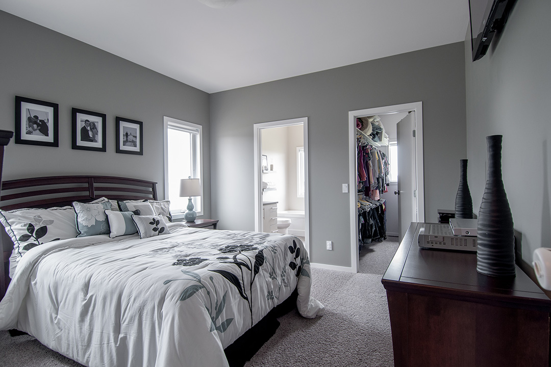Sandpiper master bedroom