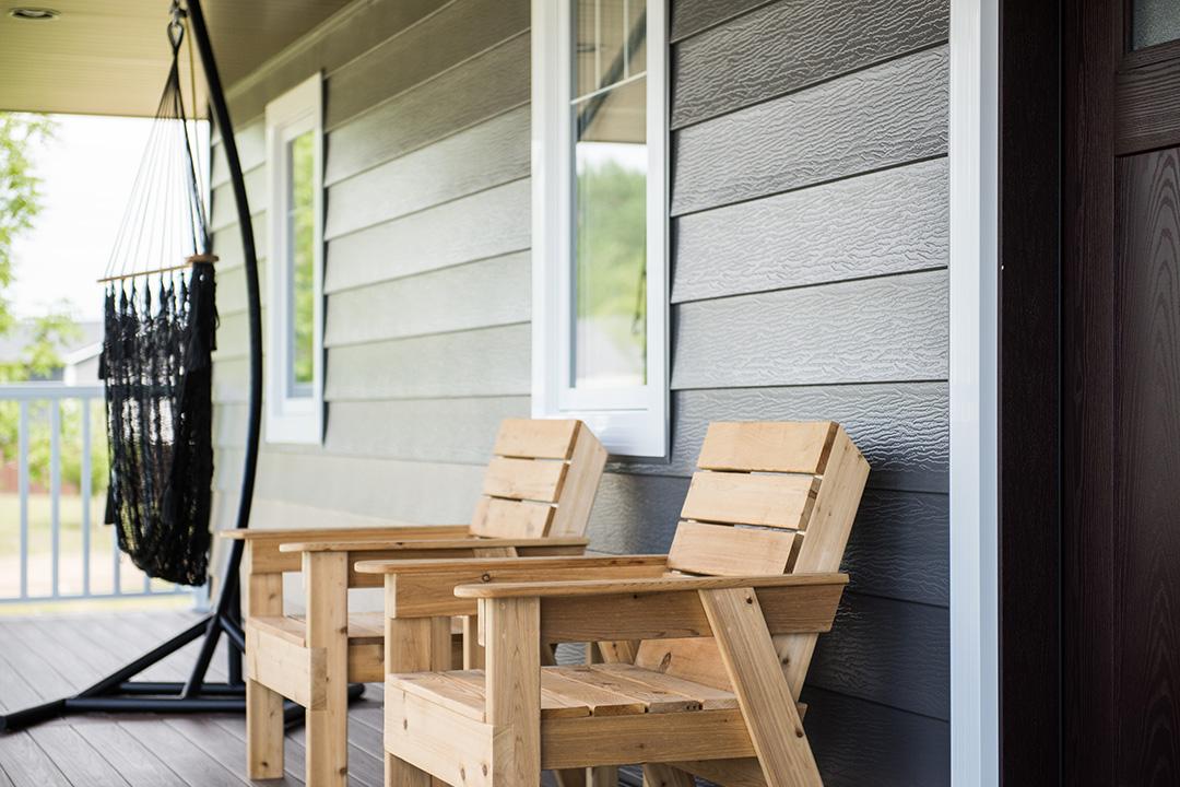Moline porch